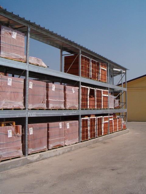 porta pallet con tettoia per esterno